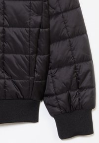 Calvin Klein Jeans - SQUARE QUILT LIGHT  - Chaqueta de invierno - black - 2