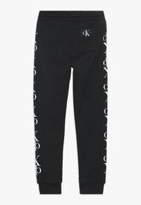 Calvin Klein Jeans - MIRROR MONOGRAM  - Verryttelyhousut - black - 1