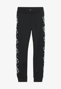 Calvin Klein Jeans - MIRROR MONOGRAM  - Verryttelyhousut - black - 2
