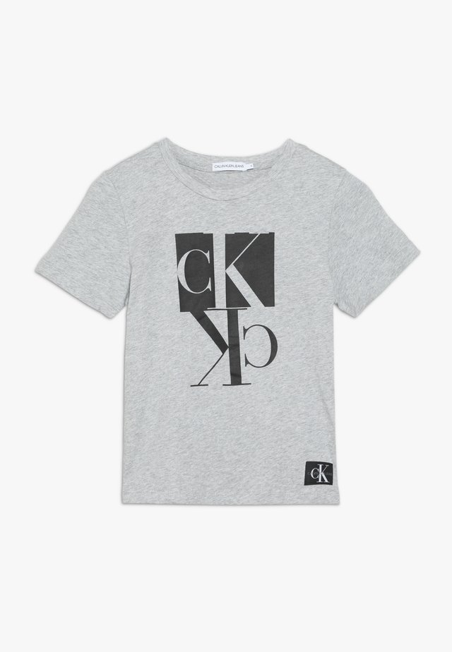 MIRROR MONOGRAM - T-shirt z nadrukiem - grey