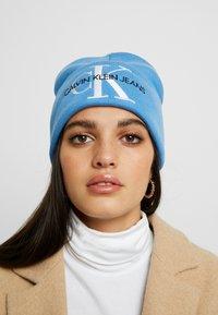 Calvin Klein Jeans - BASIC WOMEN BEANIE - Bonnet - blue - 1