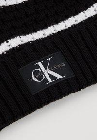 Calvin Klein Jeans - MONO BEANIE - Gorro - black - 4