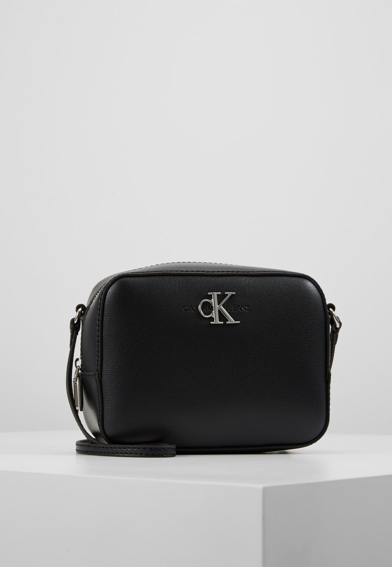 Calvin Klein Jeans - MONOGRAM CAMERA BAG - Bandolera - black