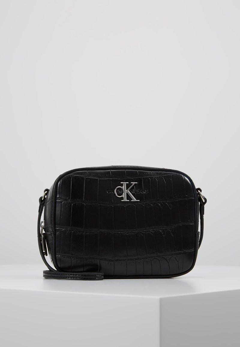 Calvin Klein Jeans - MONOGRAM CAMERA BAG CROC - Across body bag - black