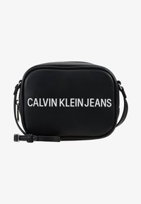 Calvin Klein Jeans - SCULPTED CAMERA BAG - Umhängetasche - black - 5
