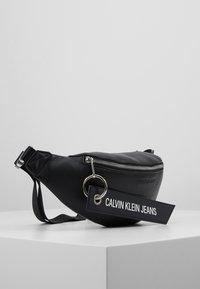 Calvin Klein Jeans - BANNER STREETPACK - Gürteltasche - black - 3