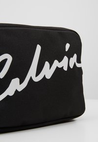 Calvin Klein Jeans - CKJ SPORT ESSENTIALS CAMERA BAG - Sac bandoulière - black - 2