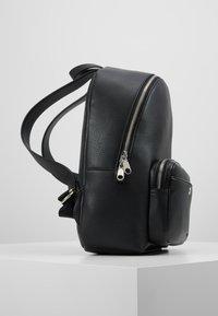 Calvin Klein Jeans - CKJ BANNER CP BACKPACK 35 - Reppu - black - 3