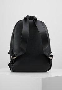 Calvin Klein Jeans - CKJ BANNER CP BACKPACK 35 - Reppu - black - 2