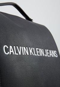 Calvin Klein Jeans - SCULPTED FLAP - Zaino - black - 6