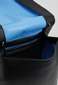 Calvin Klein Jeans - SCULPTED FLAP - Zaino - black - 4