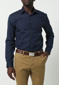 Calvin Klein Jeans - MINO - Pásek - dark brown - 0
