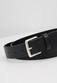 Calvin Klein Jeans - ADJUSTABLE BELT - Belt - black - 5