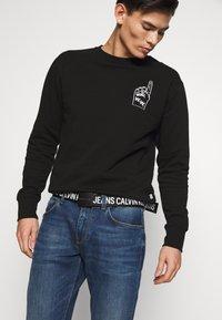 Calvin Klein Jeans - LOGO TAPE PLAQUE BELT - Cintura - black - 1