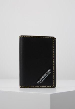 SMOOTH STITCH CARD CASE - Lompakko - black