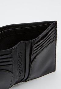 Calvin Klein Jeans - MIRROR MONOGRAM BILLFOLD - Lompakko - black - 5