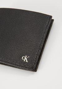 Calvin Klein Jeans - MONOGRAM TEXTURE BIFOLD - Portemonnee - black - 2