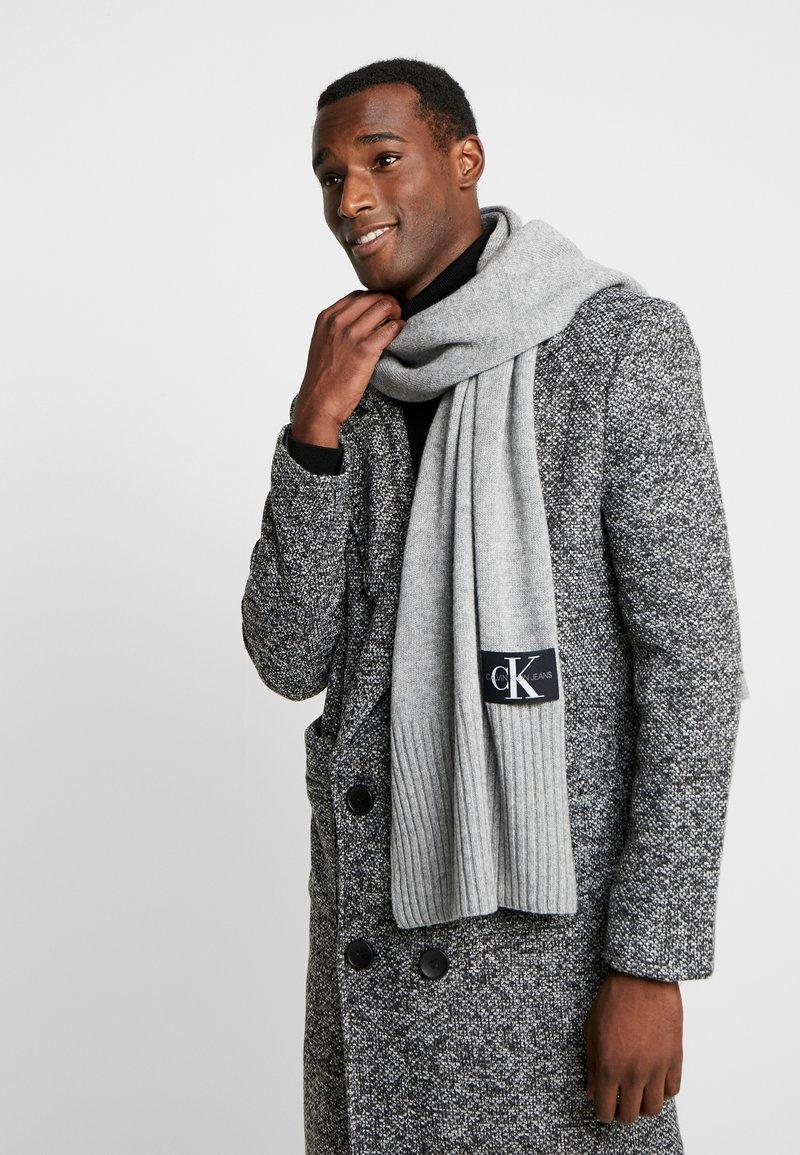 Calvin Klein Jeans - BASIC SCARF - Scarf - grey