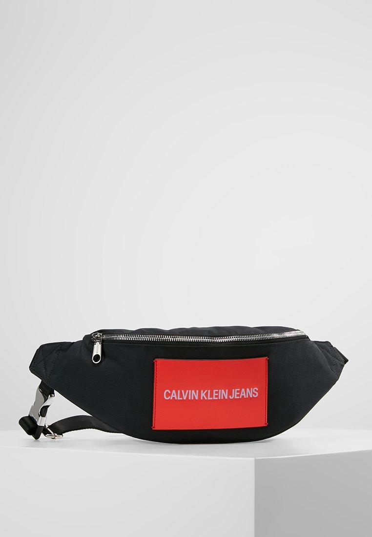 Calvin Klein Jeans - ESSENTIAL STREET PACK - Sac banane - black
