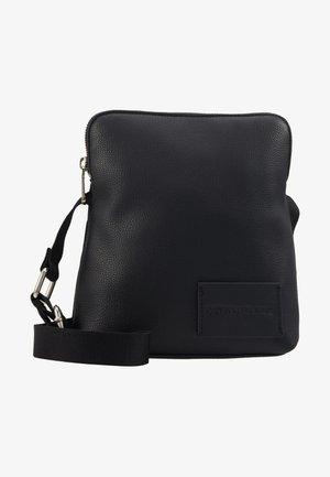 PEBBLE MICRO FLAT - Across body bag - black
