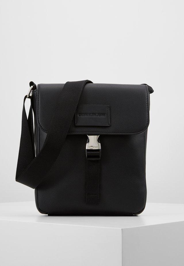 MICRO PEBBLE FLAP CROSSBODY - Across body bag - black