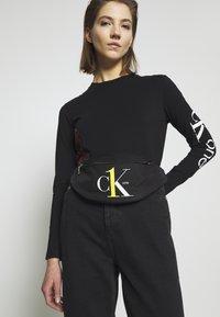 Calvin Klein Jeans - STREETPACK - Heuptas - black - 2