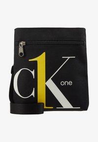 Calvin Klein Jeans - CK1 MICRO FLATPACK - Schoudertas - black - 6