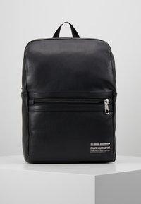 Calvin Klein Jeans - FEATHER WEIGHTMINIMAL - Ryggsäck - black - 0