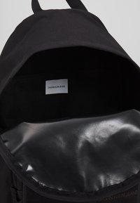 Calvin Klein Jeans - SPORT ESSENTIALS CAMPUS - Sac à dos - black - 4