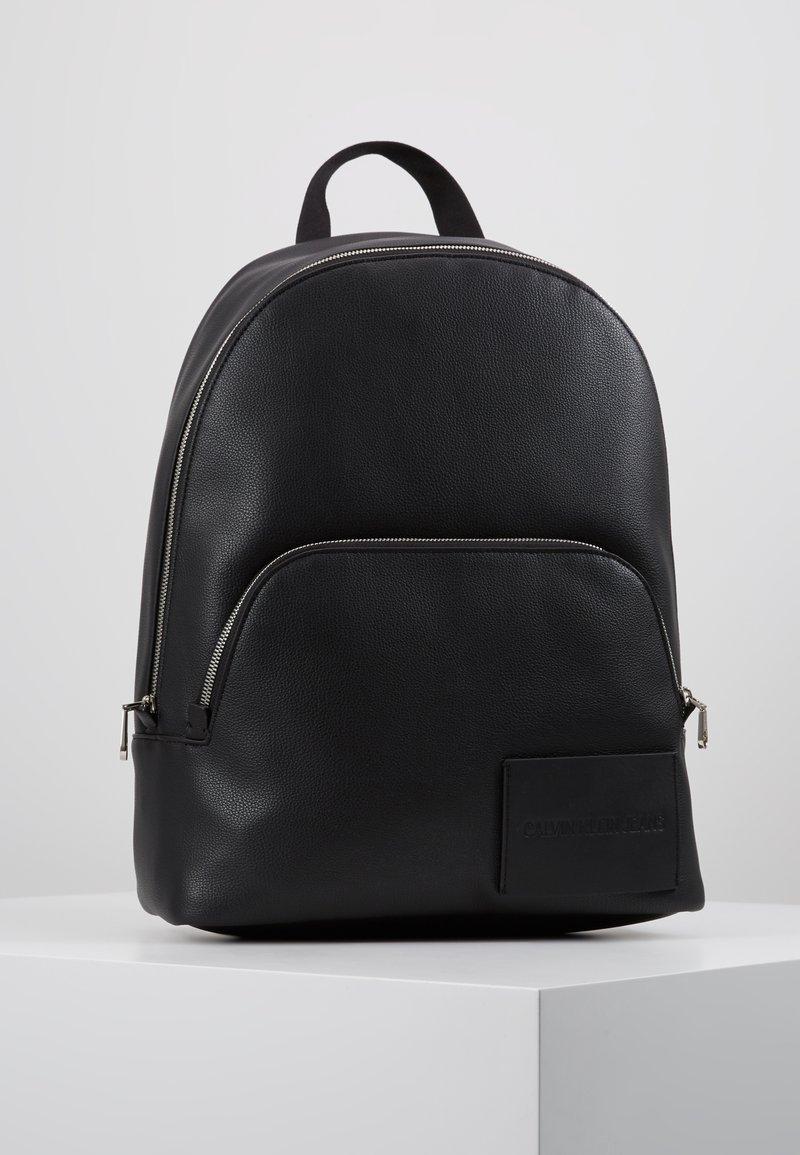 Calvin Klein Jeans - MICRO PEBBLE CAMPUS  - Reppu - black
