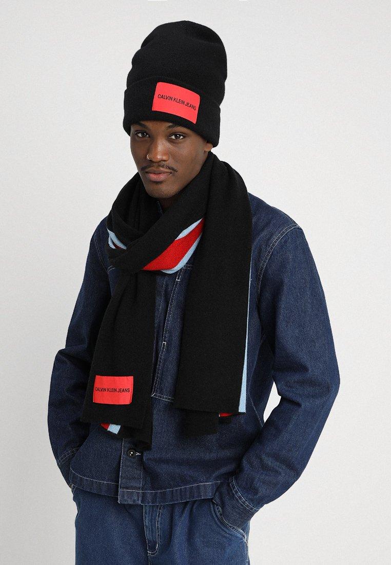 Calvin Klein Jeans - STRIPEY GIFTSET - Schal - black