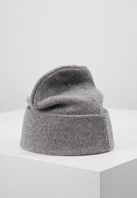 Calvin Klein Jeans - BEANIE - Mütze - grey - 2