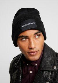 Calvin Klein Jeans - BEANIE - Bonnet - black - 1