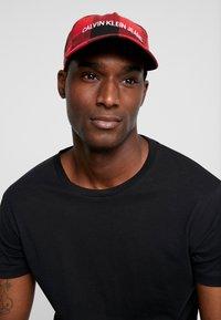 Calvin Klein Jeans - CHECK - Cap - black - 1