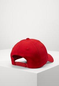 Calvin Klein Jeans - MONOGRAM - Pet - red - 2