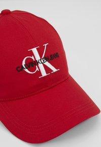 Calvin Klein Jeans - MONOGRAM - Pet - red - 5