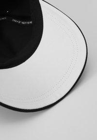Calvin Klein Jeans - STREET SAFETY - Cap - black - 5