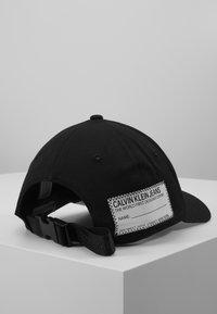 Calvin Klein Jeans - STREET SAFETY - Cap - black - 3