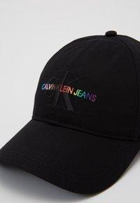 Calvin Klein Jeans - PRIDE - Cap - black - 3