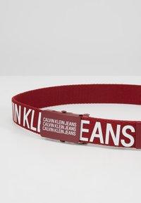 Calvin Klein Jeans - BOYS BASIC BELT - Bælter - red - 2
