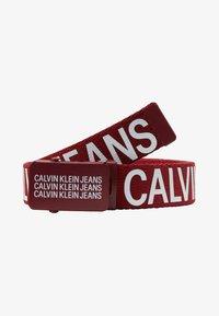 Calvin Klein Jeans - BOYS BASIC BELT - Bælter - red - 1