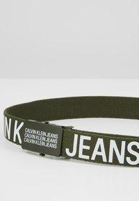 Calvin Klein Jeans - BOYS BASIC BELT - Ceinture - green - 2