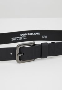 Calvin Klein Jeans - LOGO EMBOSSED BELT - Belt - black - 2