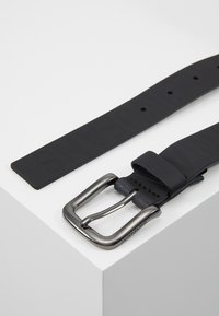 Calvin Klein Jeans - LOGO EMBOSSED BELT - Pásek - black - 3
