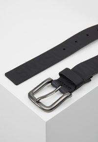 Calvin Klein Jeans - LOGO EMBOSSED BELT - Belt - black - 3