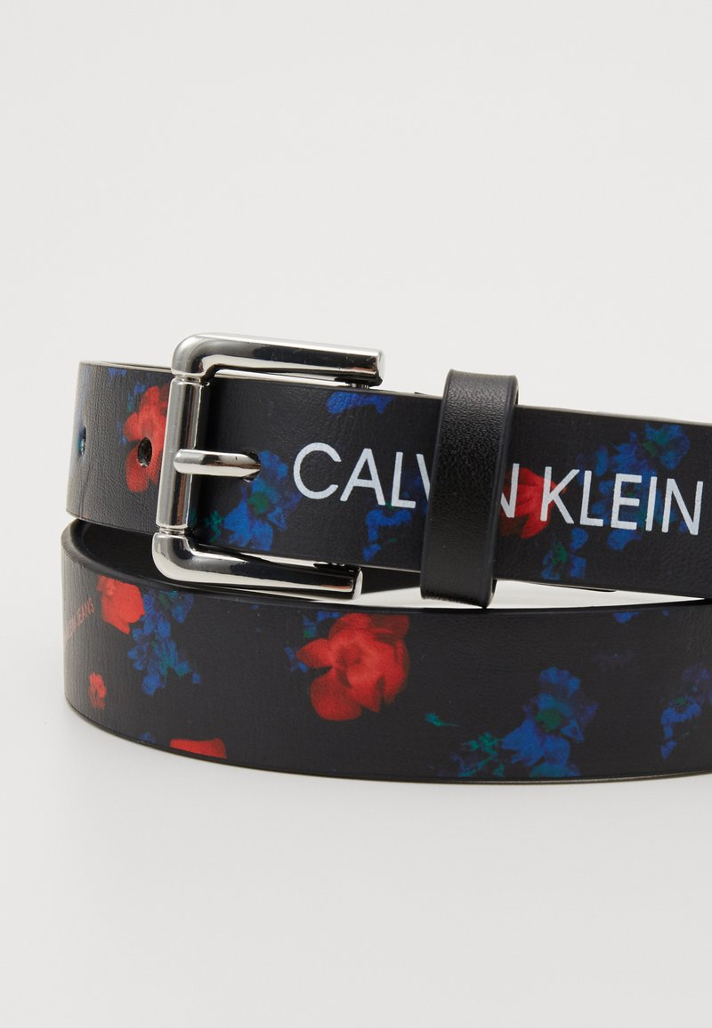 Calvin Klein Jeans - DIGITAL FLOWER BELT - Cinturón - black