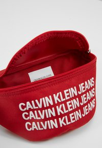 Calvin Klein Jeans - SPORT ESSENTIAL WAISTPACK - Kabelka - red - 5