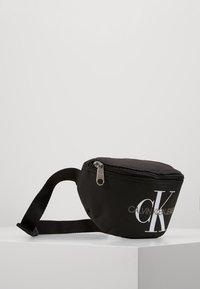 Calvin Klein Jeans - MONOGRAM WAIST PACK - Ledvinka - black - 4