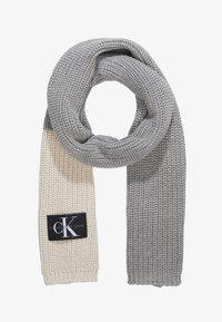 Calvin Klein Jeans - GIRLS MONOGRAM SCARF - Scarf - grey - 0