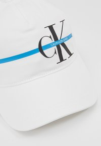Calvin Klein Jeans - MONOGRAM STRIPE CAP - Kšiltovka - white - 2